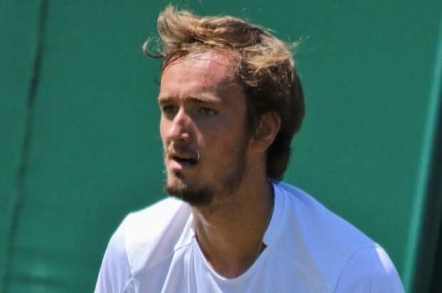 Медведев вышел в третий круг Roland Garros
