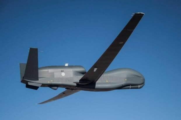 В небо поднялся первый стратегический БПЛА RQ-4B Global Hawk, построенный для Японии