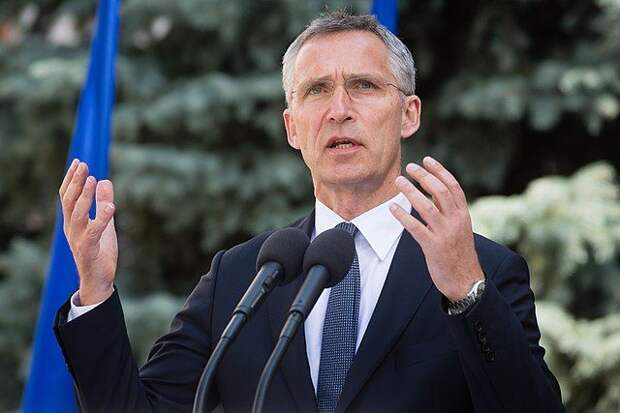 Столтенберг обсудил с Байденом отношения с РФ