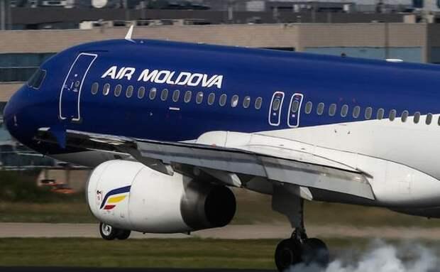 При посадке в аэропорту Домодедово повреждения получил самолет авиакомпании Air Moldova
