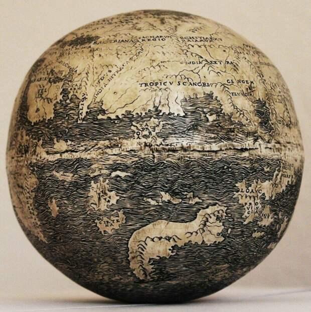 Самая древняя из известных карт Нового Света, выгравированная на страусином яйце, 1504 г.
