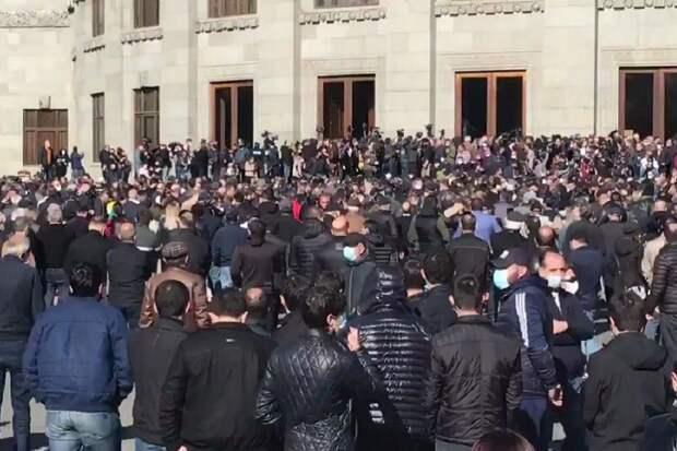 Поздно громить офис Фонда Сороса в Ереване