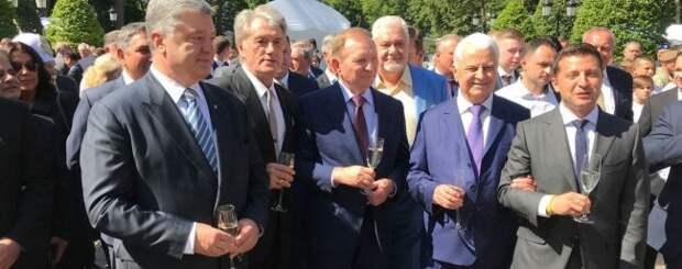 Захарова: Зеленскому нужно попытаться понять, что написано в«Минске»