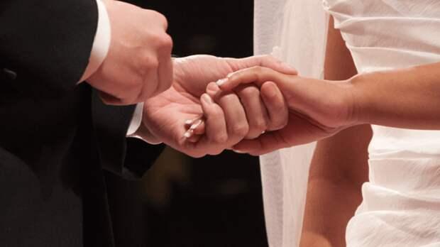 «Мне до сих пор обидно, досадно. Я ждал тебя» — Невеста бросила впавшего в кому известного известного российского актера