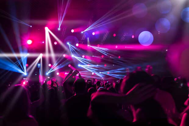 В Подмосковье запретили ночные дискотеки и караоке