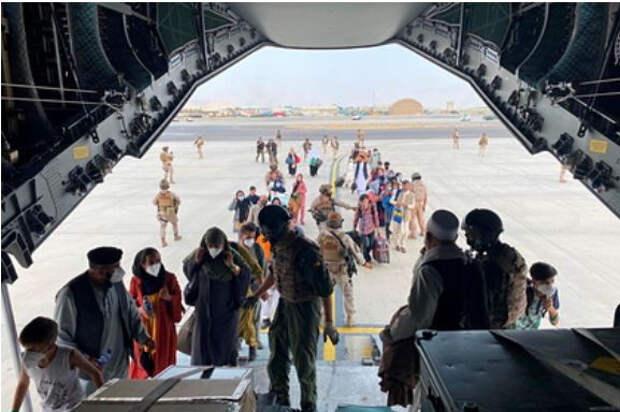Евросоюзу посоветовали впустить больше беженцев из Афганистана