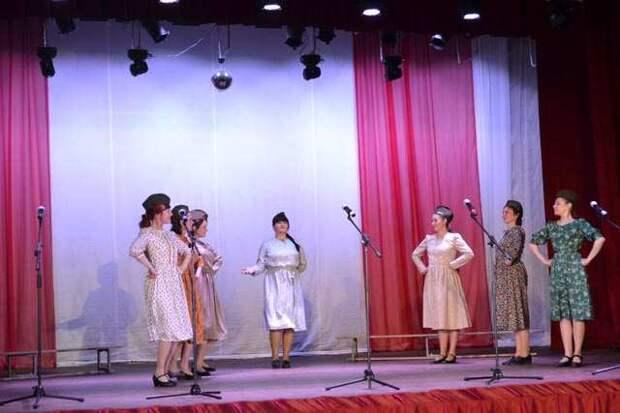 """В Западной Двине в районном Доме культуры состоялся концерт """"Нам нельзя забывать"""""""