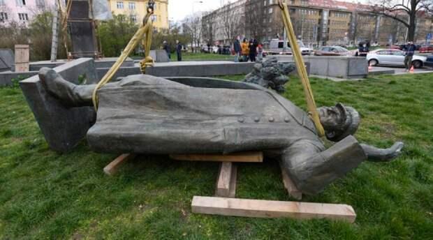 МИД Чехии готов к переговорам о передаче РФ памятника Коневу