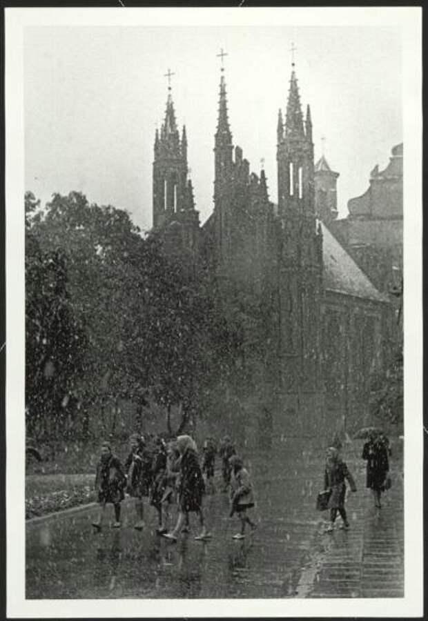 Мокрый снег. Костел Св. Анны Антанас Суткус, 1961 год, Литовская ССР, г. Вильнюс, МАММ/МДФ.