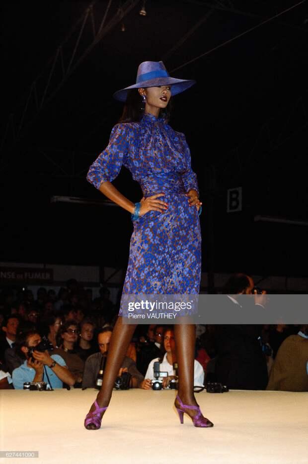 Yves Saint Laurent 1986 Spring-Summer Fashion Show : News Photo