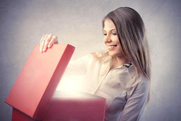 Что подарить человеку, у которого всё есть: 10 идей небанальных подарков