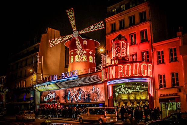 https://paris-life.info/wp-content/uploads/2016/12/mouline-rouge5.jpg