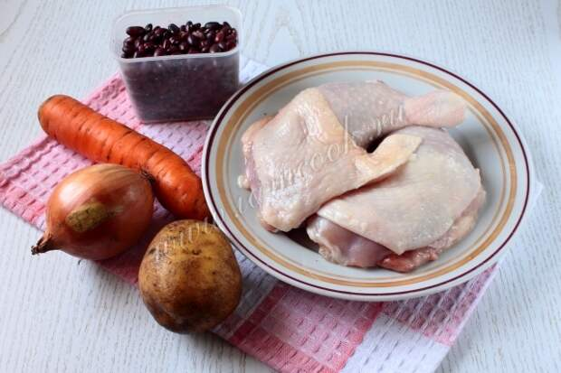 Ингредиенты для фасолевого супа в мультиварке