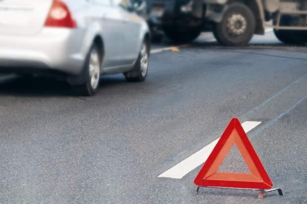 В Тверской области женщина на автомобиле вылетела в кювет