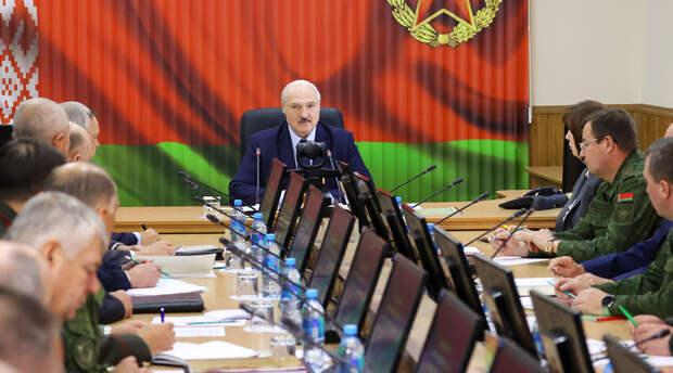 Почему Лукашенко не может покинуть президентский пост