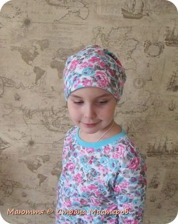 Из остатков трикотажа от лонга решено было сшить модную сейчас шапочку-бини. Она замечательно сидит на голове и смотрится отлично! фото 2