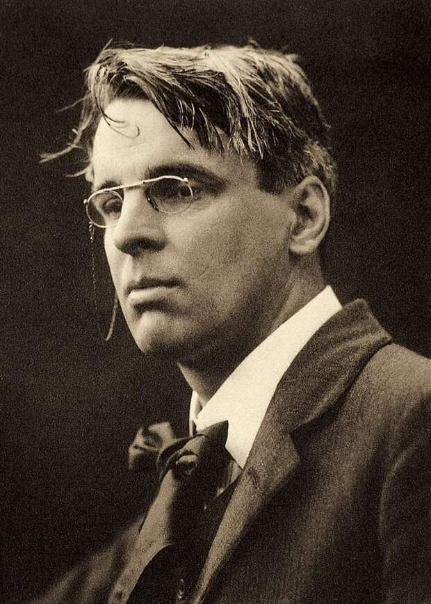 642px-William_Butler_Yeats_by_George_Charles_Beresford