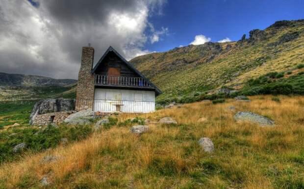 Потрясающие дома, построенные вдали от цивилизации