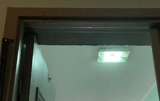 В лифтовом холле дома на Дмитровском восстановили освещение