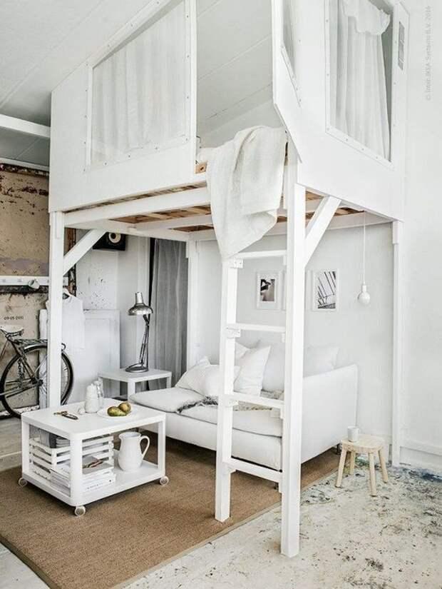 Идеи для интерьера - как обыграть кровать в маленьком помещении