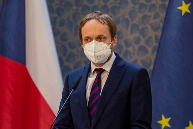 Прага неустанно накаляет российско-чешские отношения