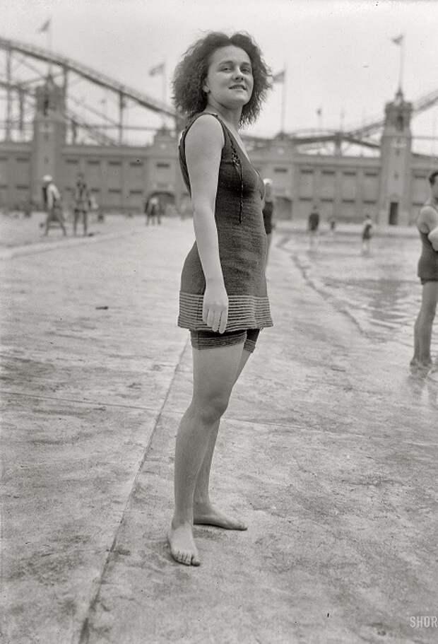 Купальный костюм, за который в начале 20 века могли арестовать.