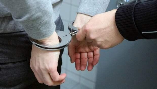 В Приморье возбудили уголовное дело против родителей, устроивших самосуд в школе