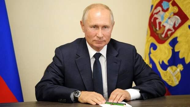 Путин сделал прививку от коронавируса: что об этом известно