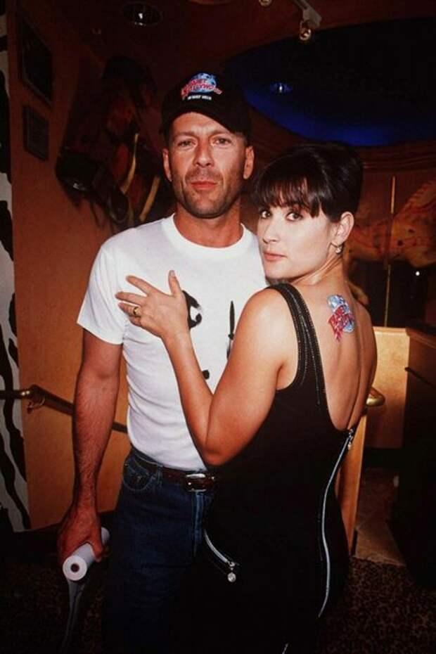 Редкие кадры: как голливудские звезды зажигали в 1990-х