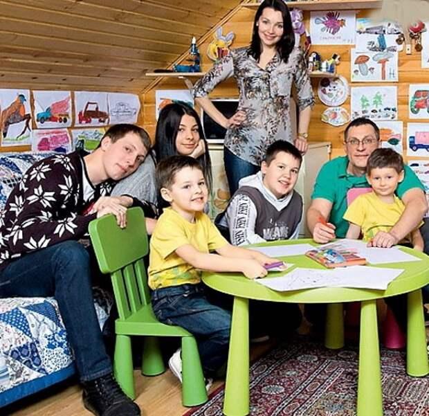наталия антонова с детьми и мужем