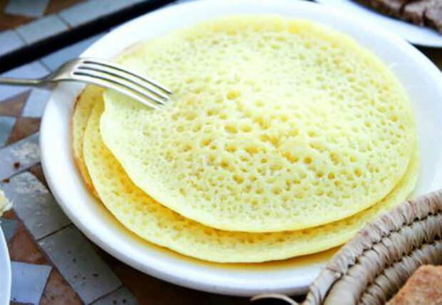 Манка, яйца и вода: почти бесплатная выпечка к чаю