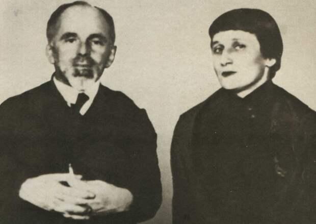 Осип Мандельштам и Анна Ахматова./Фото: ic.pics.livejournal.com
