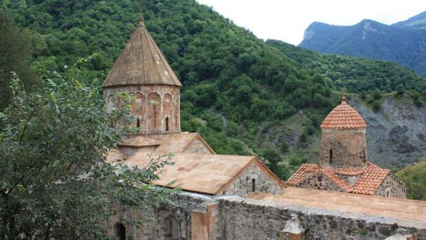 АрмянскиймонастырьДадиванк(«Монастырь на холме»)в Нагорном Карабахе
