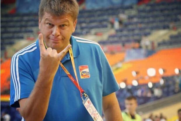 ГУБЕРНИЕВ: «Зенит» заслужил победу, но сейчас эта команда  для внутреннего пользования. МОСТОВОЙ: Они могут 5 раз подряд выиграть титул и столько же – не выйти из группы