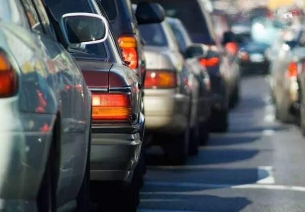 Загруженность Алтуфьевского шоссе вечером 29 мая — пять баллов