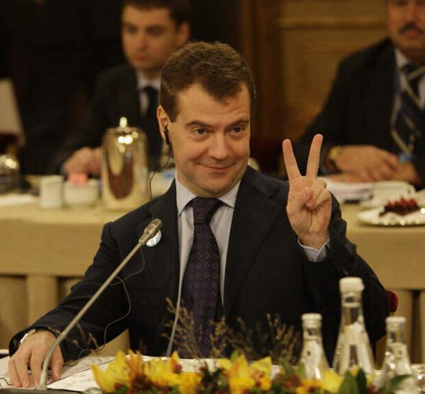 Дмитрий Анатольевич, кто ответит за оптимизацию школ?