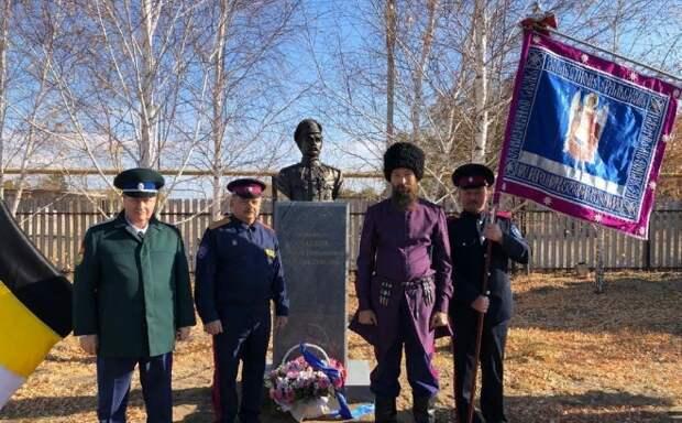 В оренбургском селе демонтировали памятник убийце Чапаева