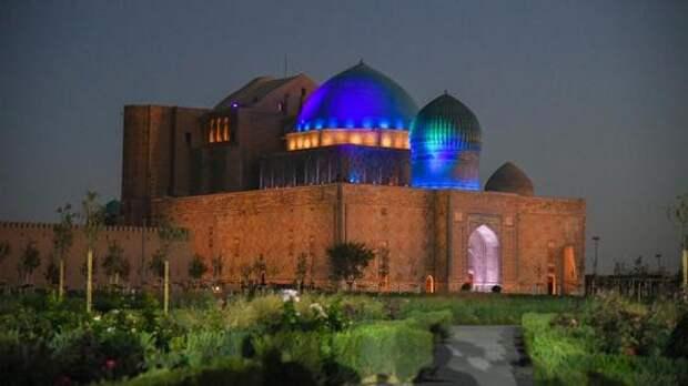 Завершен проект освещения на территории мавзолея Х. А. Ясауи в Туркестане