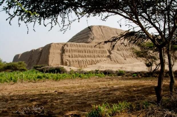 Пирамиды в Перу. /Фото:interesnosti.com