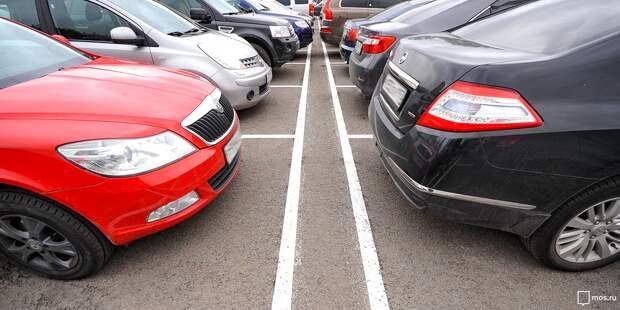 В вашем дворе паркуют машины на тротуарах — новый опрос