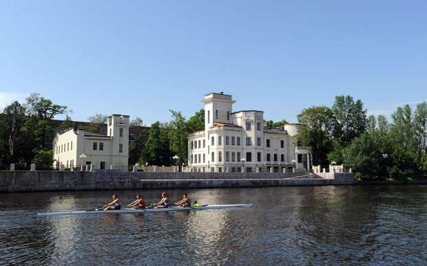 DSC 50681 Нефасадный Петербург: вид с воды