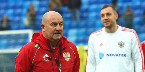 Черчесов исключил Дзюбу из членов сборной после интимного видео