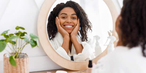 Ученые выяснили, почему смотреть на свое лицо полезно
