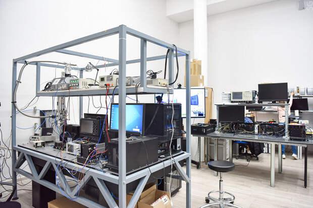 В России разработана уникальная архитектура квантовой сети, позволяющая на 28% снизить стоимость её развертывания и обслуживания