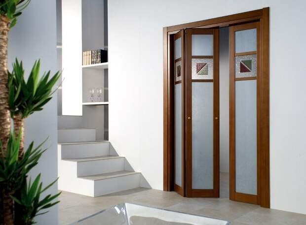 Межкомнатные двери. Межкомнатные двери гармошки. Особенности и преимущества двери гармошки.