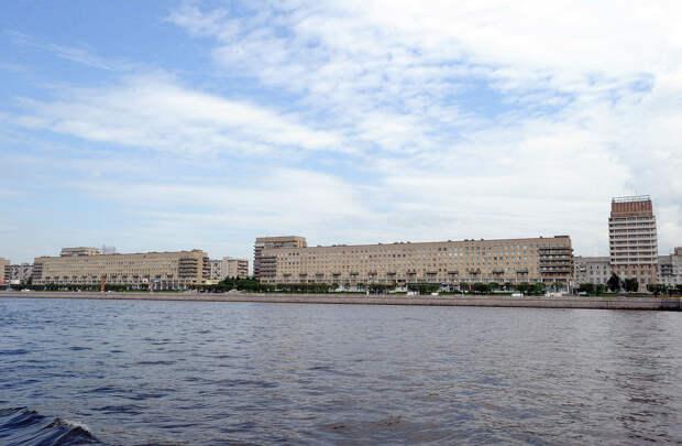 DSC 49151 Нефасадный Петербург: вид с воды