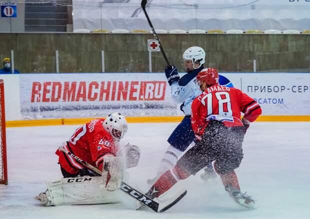 Хоккеист глазовского «Прогресса» вошел в тройку лучших игроков сентября молодежной лиги