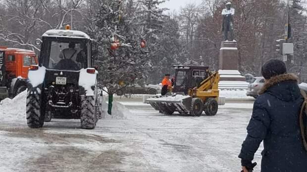 В Саратове мэр города проверил расчистку улиц от снега, проехав по городу на трамвае