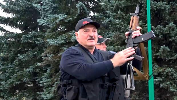 """Лукашенко лишил званий более 80 силовиков за """"протестные настроения"""""""