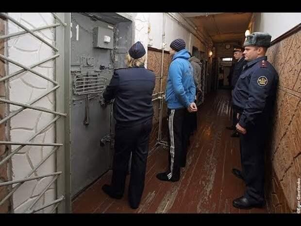 Как мажоры сидят в тюрьме и зоне.